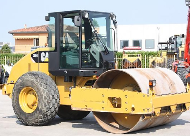 Roller Caterpillar CS 54 – VENDUTO / SOLD
