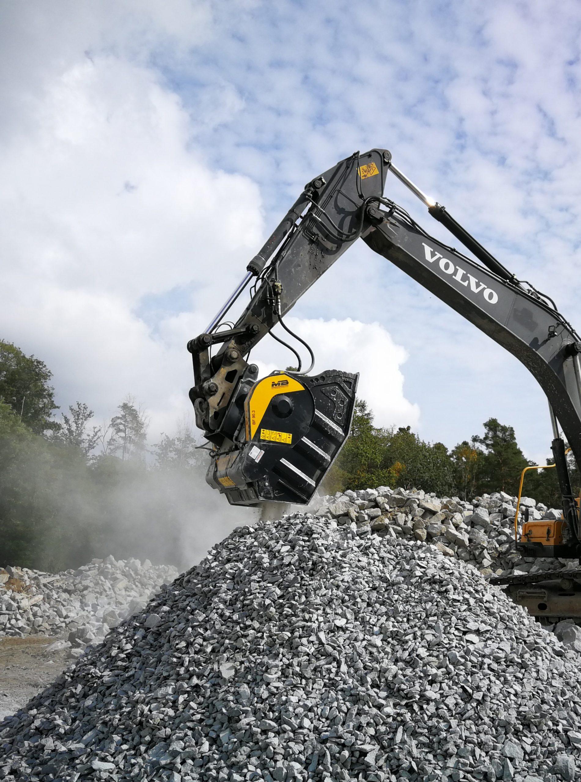 benna frantoio per escavatore a noleggio